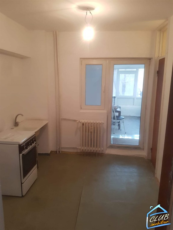 2 camere Banu Manta etaj 1