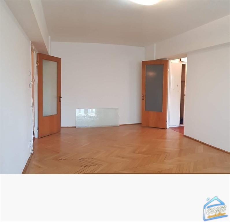 3 camere Banu Manta etaj 2