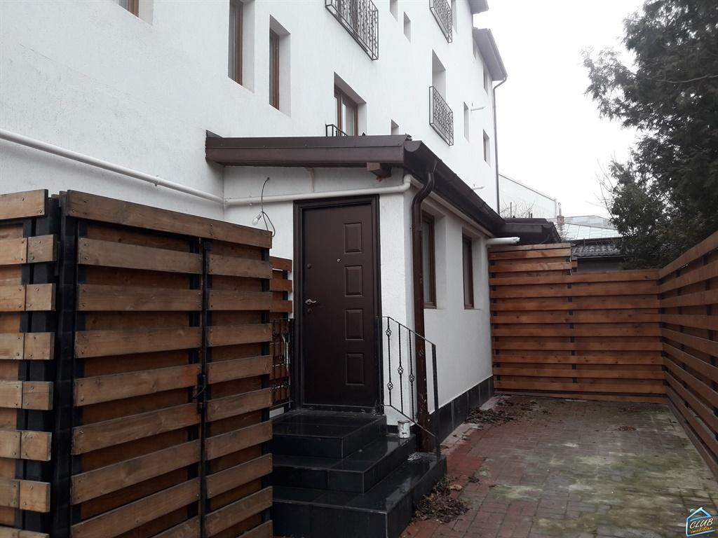 Apartament 2 camere Ion Mihalache, Expozitiei